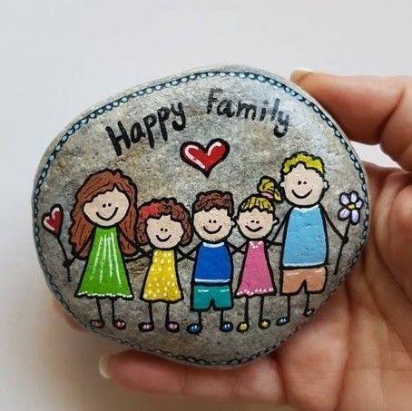 אבן משפחתית - 5 דמויות