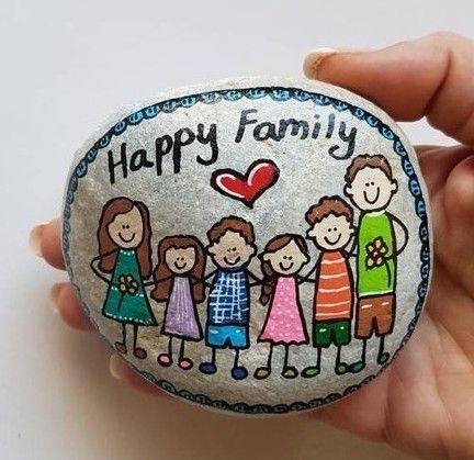 אבן משפחתית - 6 דמויות