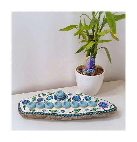 חנוכיה מעוצבת - דגם פרחים טורקיז
