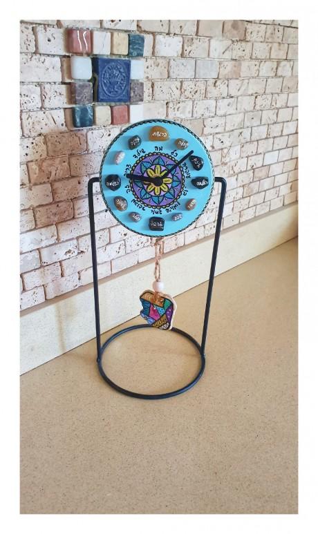 שעון מטוטלת - דגם אבן צבעונית